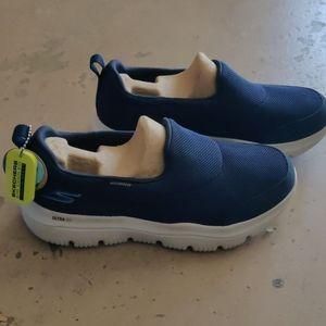 Skechers G1o Walk Evolution Ultra Slip On Shoes